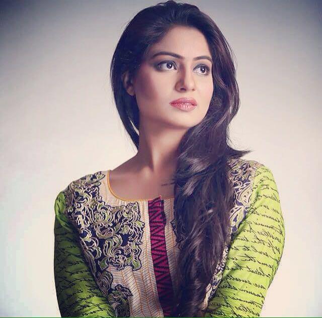 Sabi, Female Model from Karachi, Pakistan - Modeling